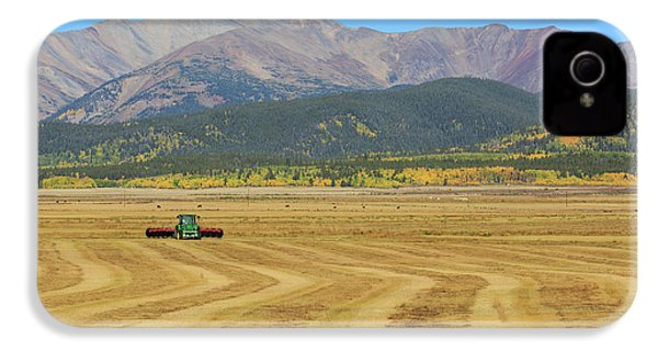 Farming In The Highlands IPhone 4 Case by David Chandler