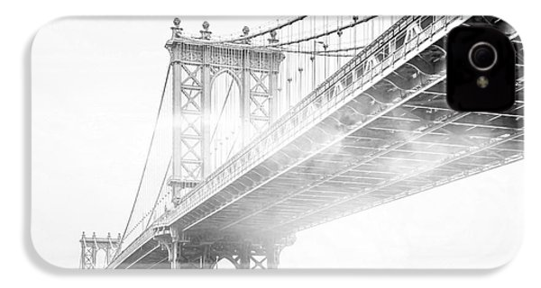 Fog Under The Manhattan Bw IPhone 4 Case by Az Jackson