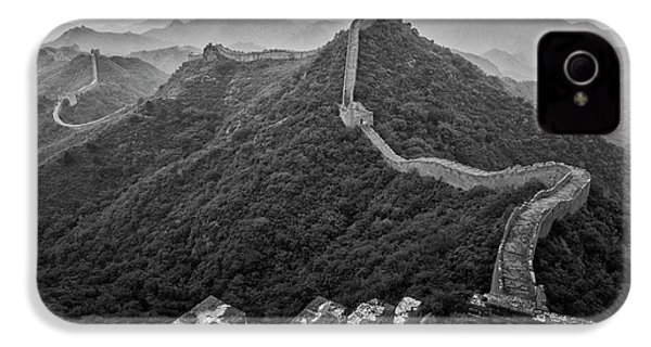 IPhone 4 Case featuring the photograph Great Wall 2, Jinshanling, 2016 by Hitendra SINKAR