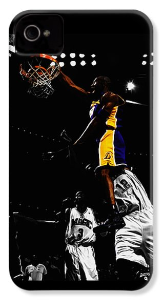 Kobe Bryant On Top Of Dwight Howard IPhone 4 Case by Brian Reaves
