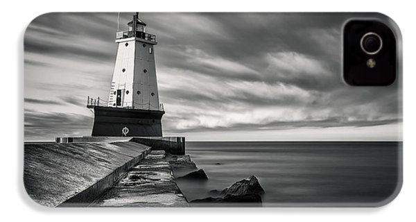 IPhone 4 Case featuring the photograph Ludington Light Black And White by Adam Romanowicz