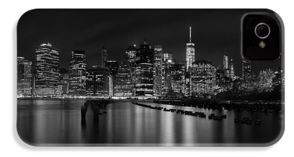 Manhattan At Night In Black And White IPhone 4 Case