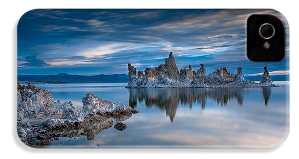 Mono Lake Tufas IPhone 4 Case by Ralph Vazquez