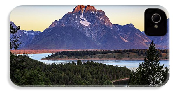 IPhone 4 Case featuring the photograph Morning At Mt. Moran by David Chandler