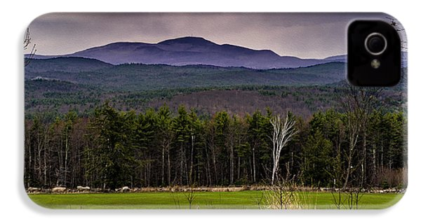 IPhone 4 Case featuring the photograph New England Spring In Oil by Mark Myhaver