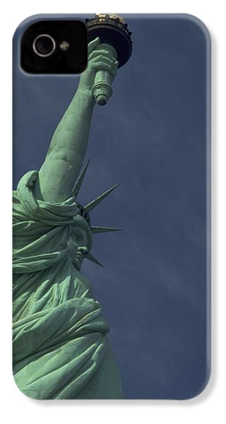 IPhone 4 / 4s Case featuring the photograph New York by Travel Pics