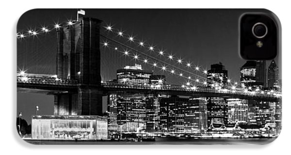 Night Skyline Manhattan Brooklyn Bridge Bw IPhone 4 Case