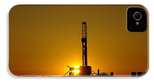 Oil Rig Near Killdeer In The Morn IPhone 4 Case by Jeff Swan