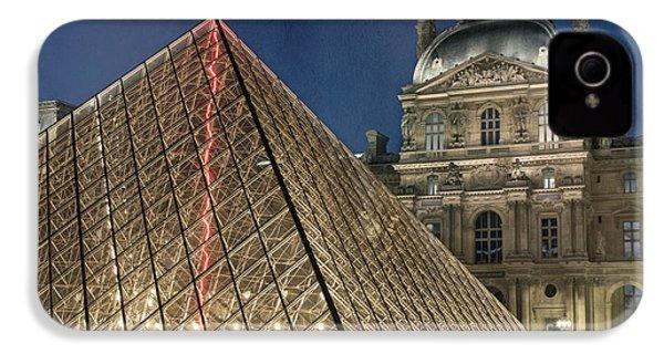 Paris Louvre IPhone 4 / 4s Case by Juli Scalzi