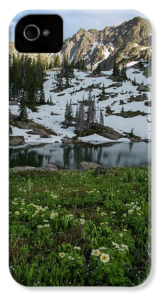 IPhone 4 Case featuring the photograph Red Peak And Willow Lake by Aaron Spong