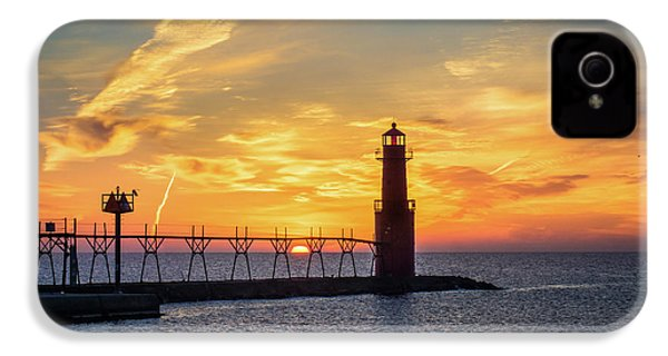 IPhone 4 Case featuring the photograph Serious Sunrise by Bill Pevlor