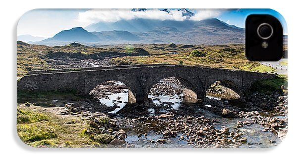 IPhone 4 Case featuring the photograph Skye Cuillin From Sligachan by Gary Eason