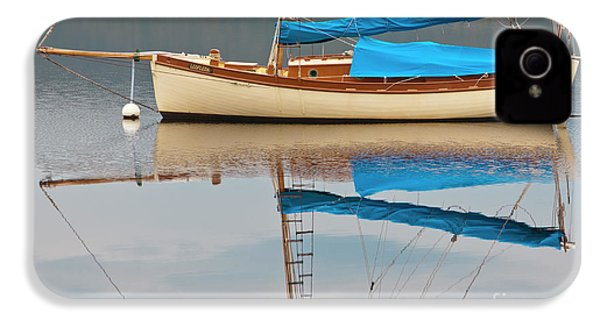 IPhone 4 Case featuring the photograph Smooth Sailing by Werner Padarin