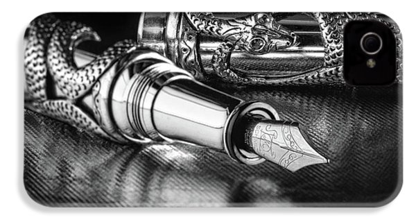 Snake Pen In Black And White IPhone 4 Case by Tom Mc Nemar