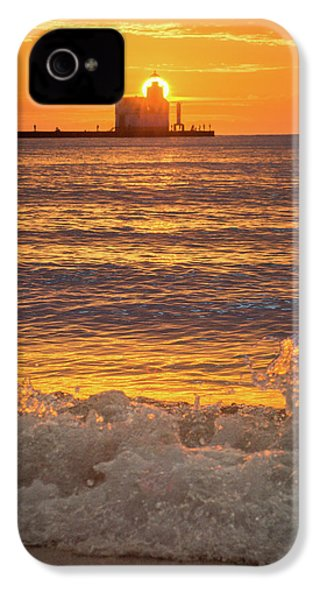 IPhone 4 Case featuring the photograph Splash Of Light by Bill Pevlor