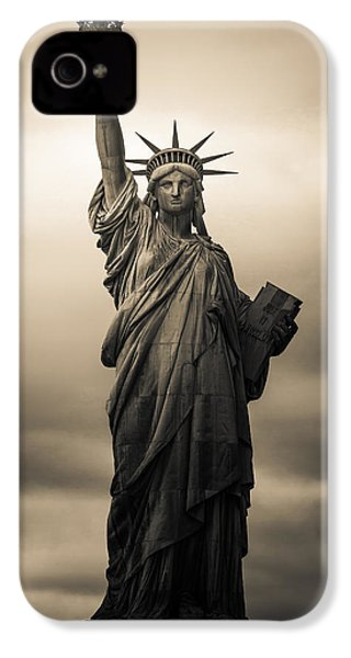 Statute Of Liberty IPhone 4 / 4s Case by Tony Castillo