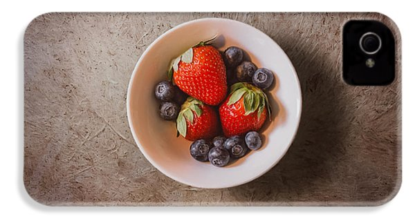 Strawberries And Blueberries IPhone 4 / 4s Case by Scott Norris