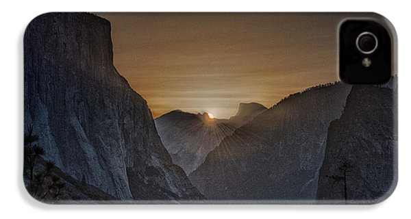 Sunburst Yosemite IPhone 4 Case by Bill Roberts
