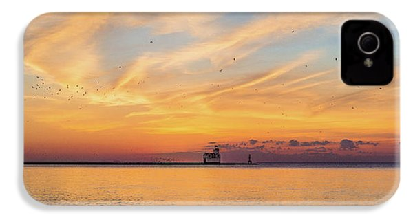 IPhone 4 Case featuring the photograph Sunrise And Splendor by Bill Pevlor