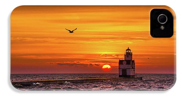 IPhone 4 Case featuring the photograph Sunrise Solo by Bill Pevlor