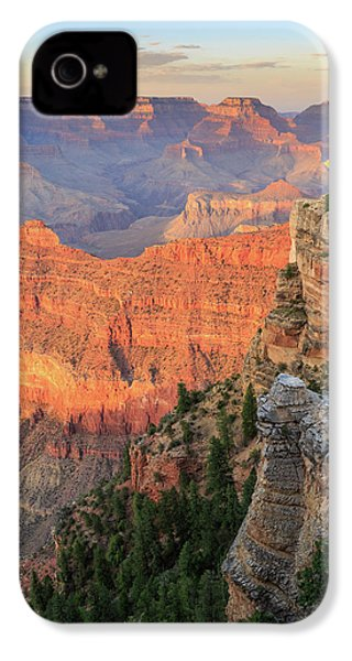 IPhone 4 Case featuring the photograph Sunset At Mather Point by David Chandler