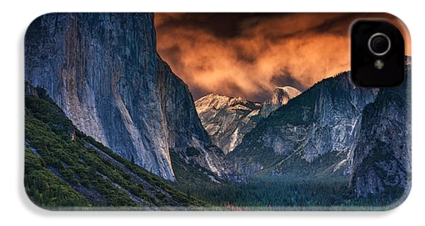 Sunset Skies Over Yosemite Valley IPhone 4 / 4s Case by Rick Berk