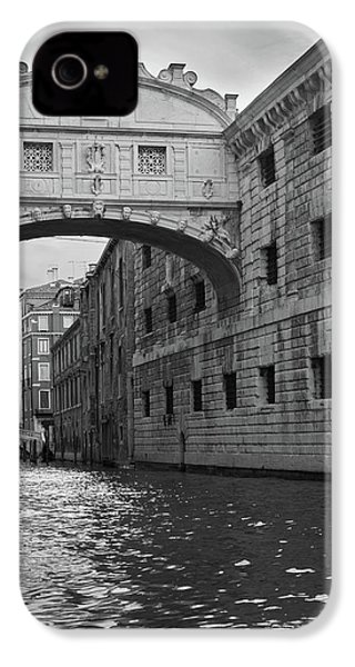 IPhone 4 Case featuring the photograph The Bridge Of Sighs, Venice, Italy by Richard Goodrich
