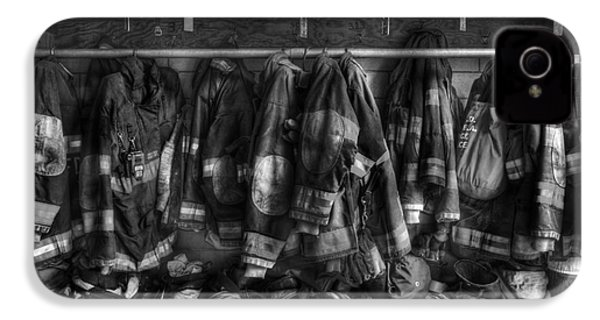 The Gear Of Heroes - Firemen - Fire Station IPhone 4 Case