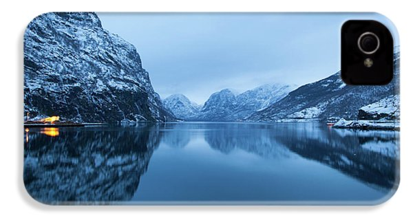 The Stillness Of The Sea IPhone 4 Case by David Chandler