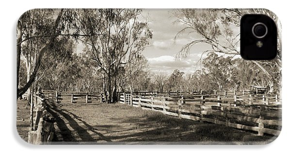 IPhone 4 Case featuring the photograph The Yards by Linda Lees