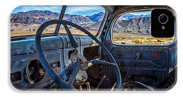 Truck Desert View IPhone 4 / 4s Case by Peter Tellone
