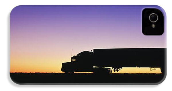 Truck Parked On Freeway At Sunrise IPhone 4 Case by Jeremy Woodhouse