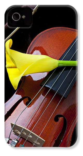 Violin With Yellow Calla Lily IPhone 4 Case
