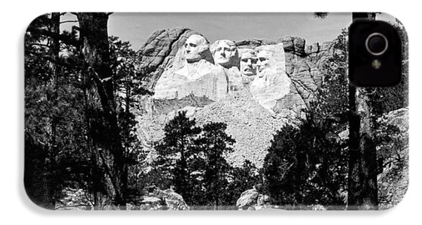 Mount Rushmore In South Dakota IPhone 4s Case by Underwood Archives