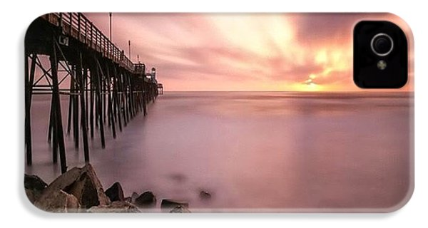 Long Exposure Sunset At The Oceanside IPhone 4s Case by Larry Marshall