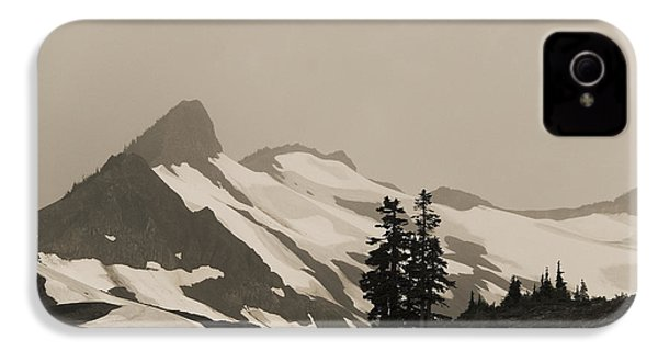 IPhone 4s Case featuring the photograph Fog In Mountains by Yulia Kazansky