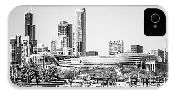 Black And White Picture Of Chicago Skyline IPhone 4s Case by Paul Velgos