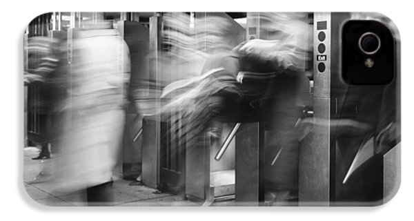 IPhone 4s Case featuring the photograph Blurred In Turnstile by Dave Beckerman