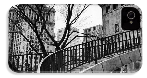 Chicago Staircase Black And White Picture IPhone 4s Case