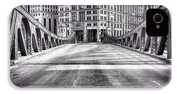 #chicago #hdr #bridge #blackandwhite IPhone 4s Case