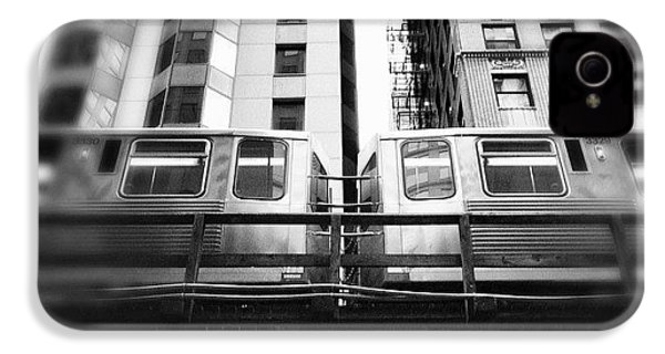 Chicago L Train In Black And White IPhone 4s Case