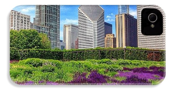 Chicago Skyline At Lurie Garden IPhone 4s Case by Paul Velgos