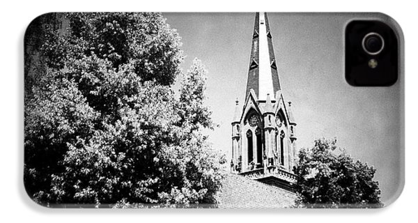 Church In Black And White IPhone 4s Case