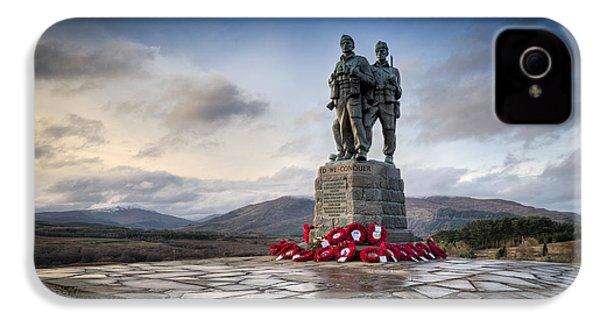 Commando Memorial At Spean Bridge IPhone 4s Case by Gary Eason