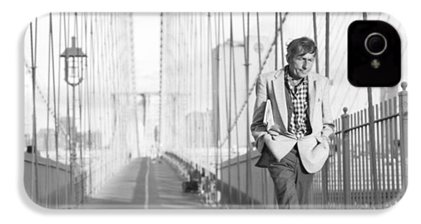 IPhone 4s Case featuring the photograph Crossing Brooklyn Bridge by Dave Beckerman