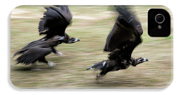Griffon Vultures Taking Off IPhone 4s Case by Pan Xunbin