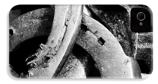 Horseshoes Black And White IPhone 4s Case by Matthias Hauser