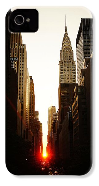 Manhattanhenge Sunset And The Chrysler Building  IPhone 4s Case by Vivienne Gucwa