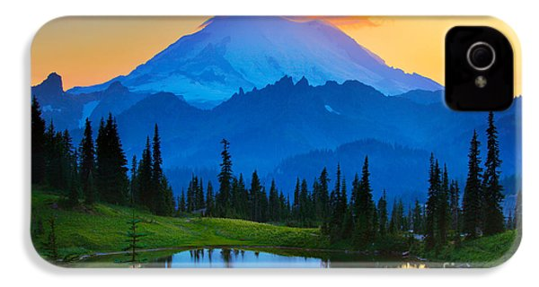 Mount Rainier Goodnight IPhone 4s Case by Inge Johnsson