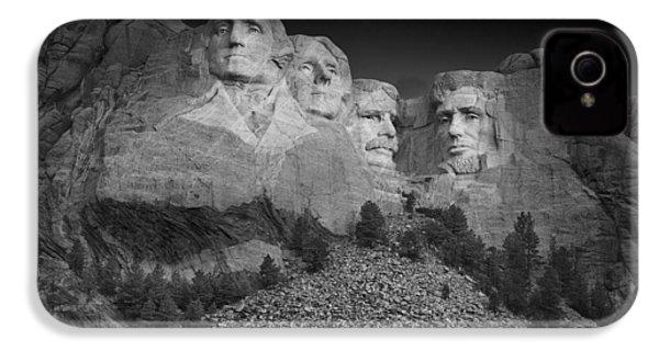 Mount Rushmore South Dakota Dawn  B W IPhone 4s Case by Steve Gadomski